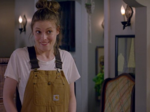 picture-of-gillian-jacobs-overalls-photo-500x375