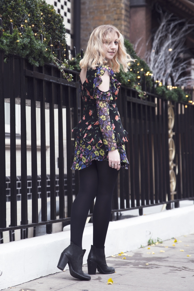 chloe-moss-asos-floral-dress-02-photography-sara-baena
