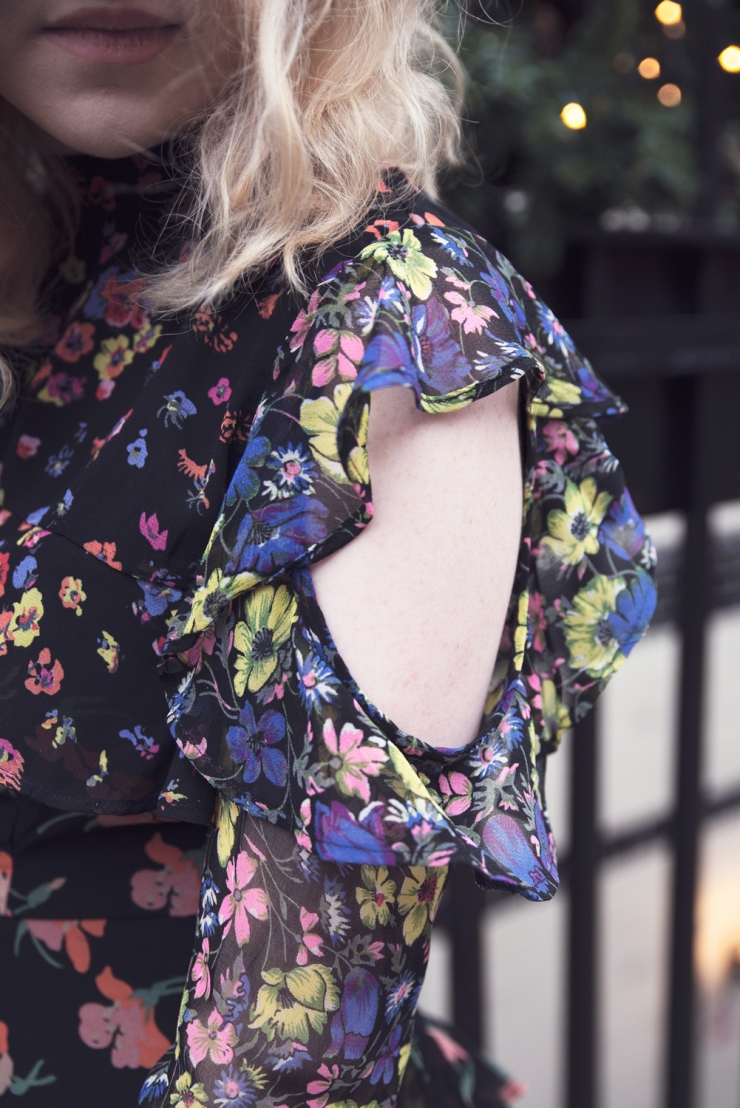 chloe-moss-asos-floral-dress-05-photography-sara-baena