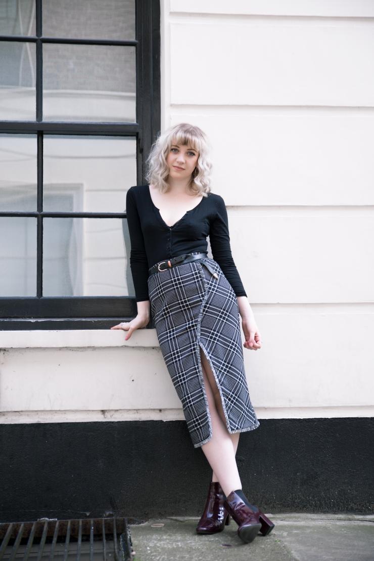 Chloe-Moss-Tartan-Skirt-01-Sara-Baena-Photography