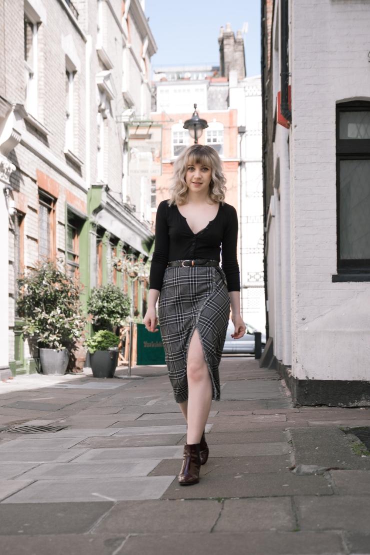 Chloe-Moss-Tartan-Skirt-04-Sara-Baena-Photography