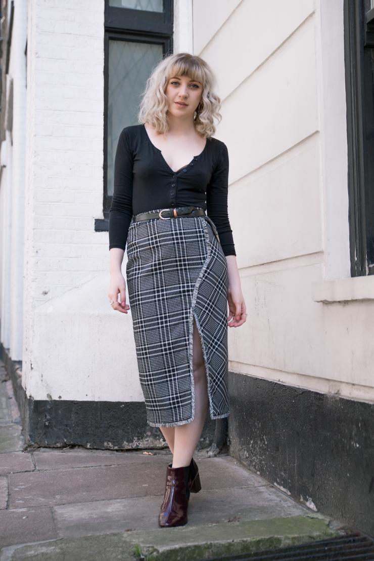Chloe-Moss-Tartan-Skirt-05-Sara-Baena-Photography