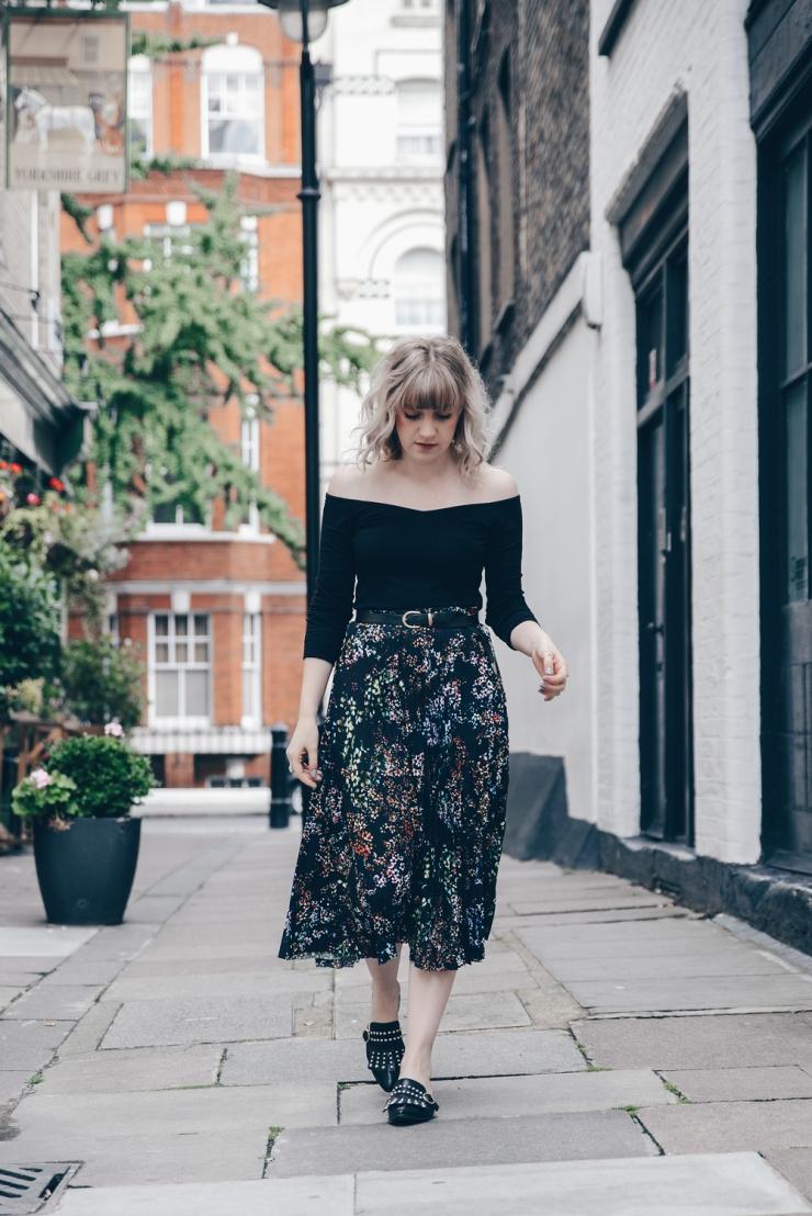 Chloe-Moss-Floral-Skirt-05-Sara-Baena-Photography